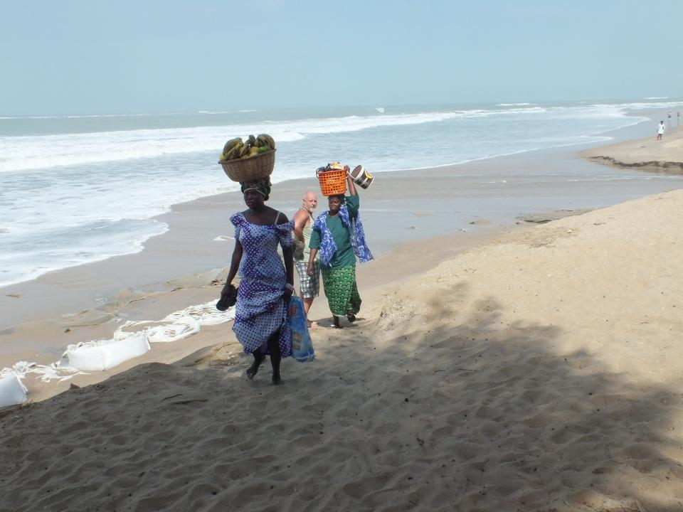 Paradise Beach een prachtig stukje strand waar je veel lokale mensen tegenkomt