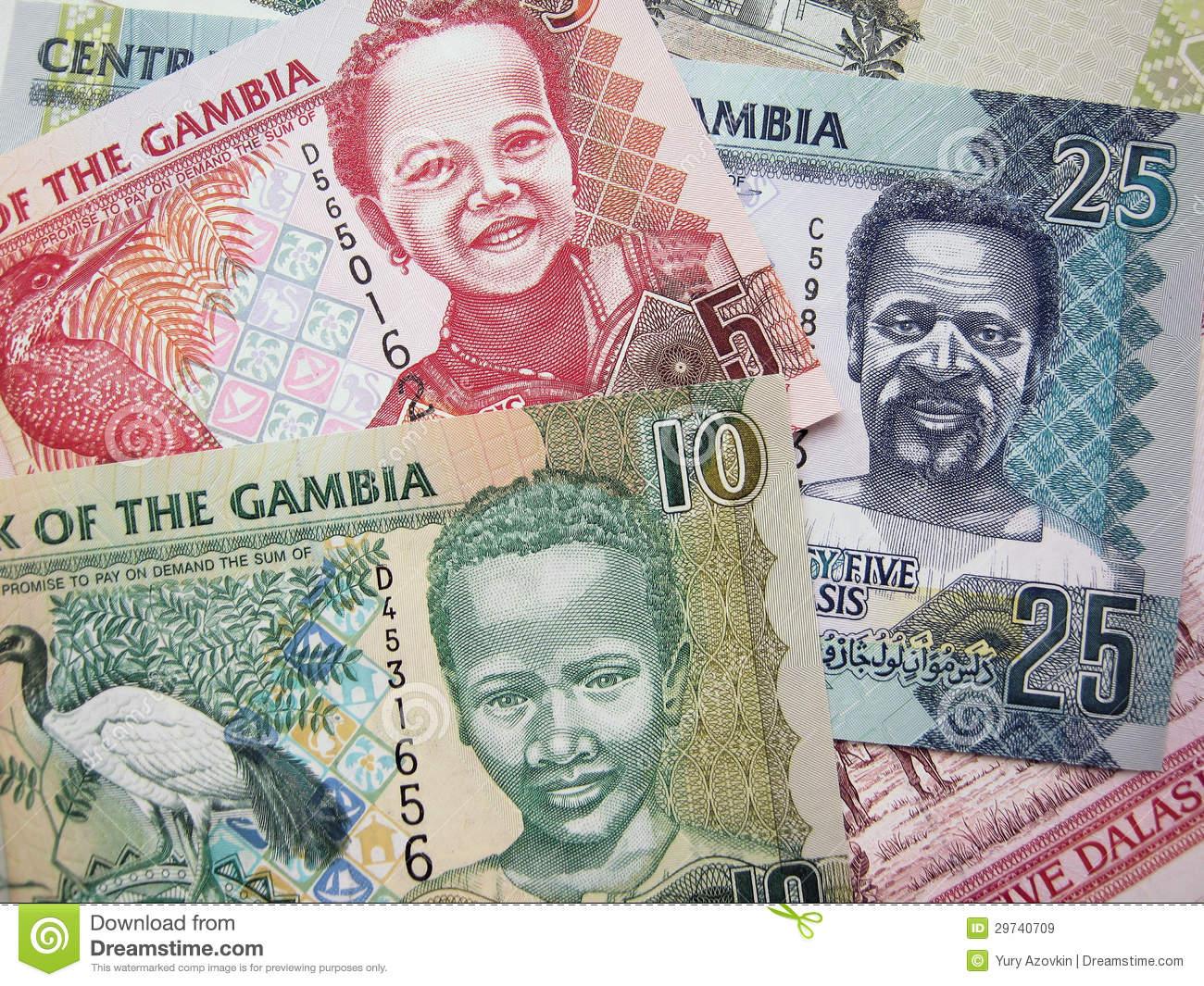 de-bankbiljetten-van-de-elementengambia-van-de-foto-van-dalasi-29740709