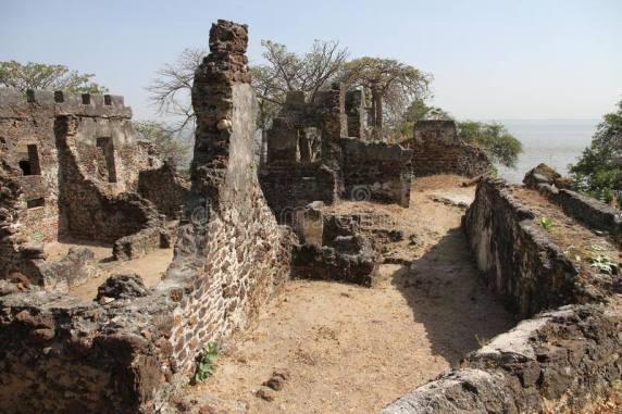 Ruine Kunteh Kinteh Gambia
